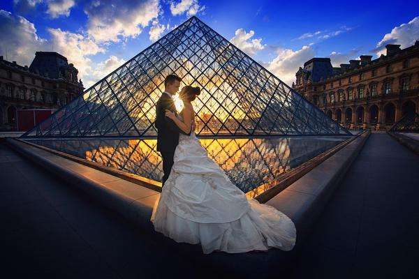 Wykonywanie zdjęć ślubnych w plenerze