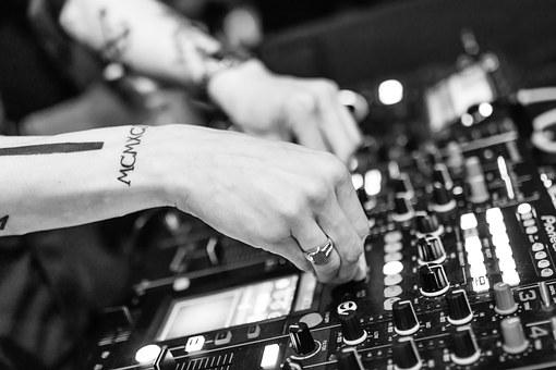 DJ o sporych umiejętnościach