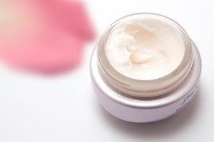 Pielęgnacja przy użyciu naturalnych kosmetyków