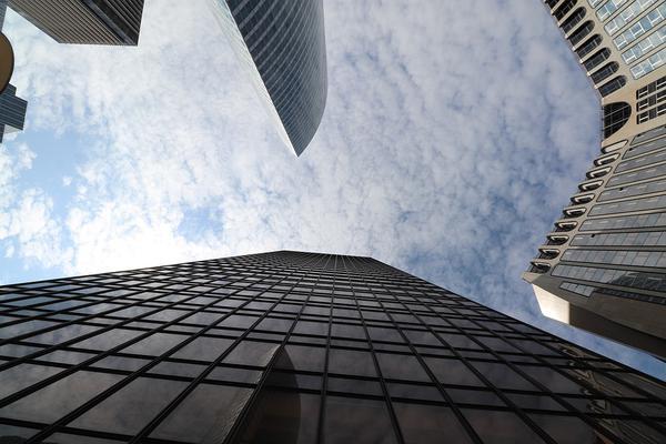 Inwestycja w budynki na terenie Warszawy