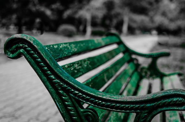 trwałe ławki parkowe