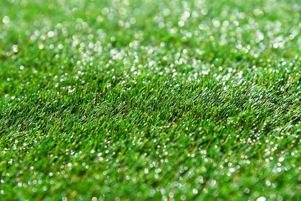 estetyczna trawa syntetyczna