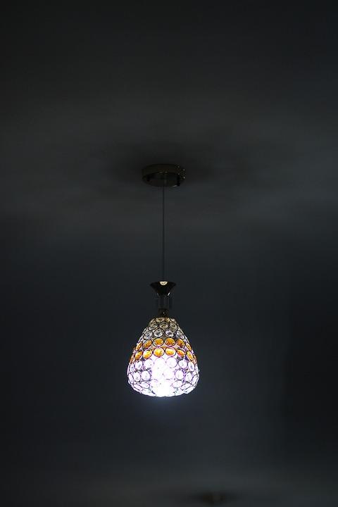 stylowe lampy nowoczesne szklane